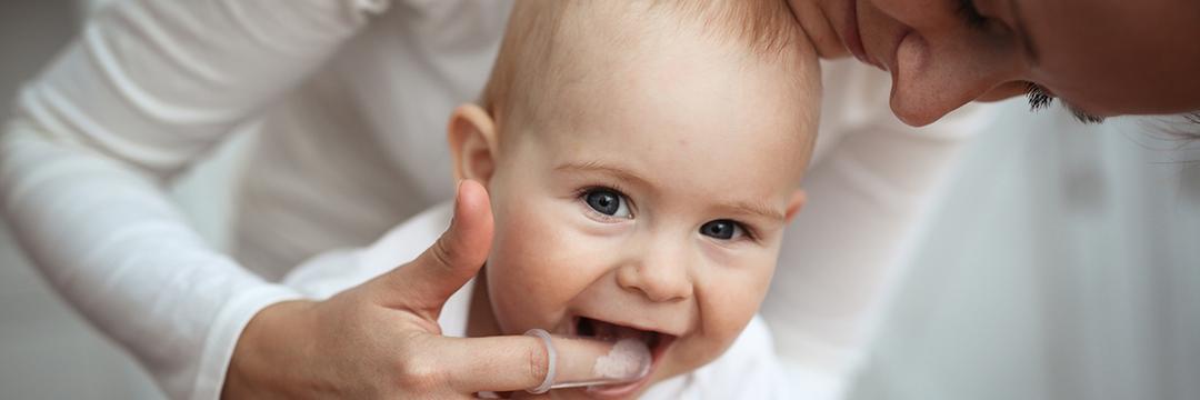 Quando começar a escovar os dentes do bebê?