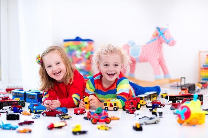 Brinquedos para meninos e meninas ou brinquedos para crianças?