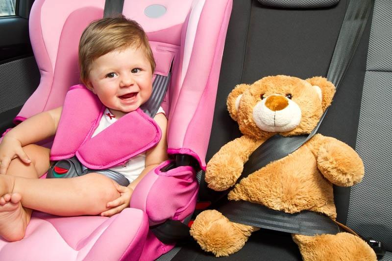 Como distrair as crianças durante as viagens de carro