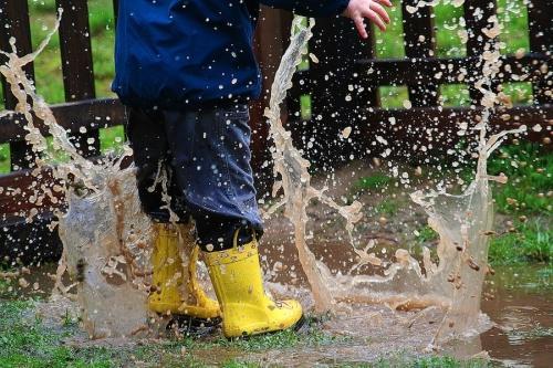 Atividades para fazer com as crianças em dias de chuva