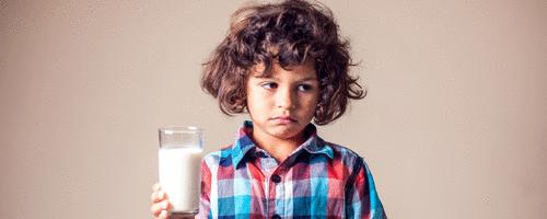 Entenda a diferença entre alergia e intolerância ao leite