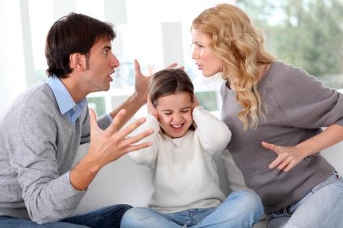 Brigas entre os pais