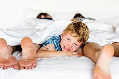 Dicas para tirar o bebê da cama dos pais