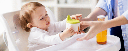Por que não oferecer suco ao bebê antes de um ano?
