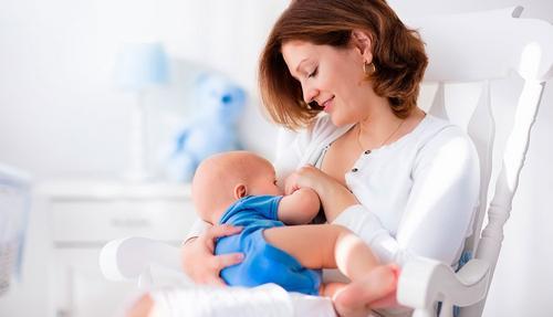 Benefícios da Amamentação para o Bebê e para Mamãe