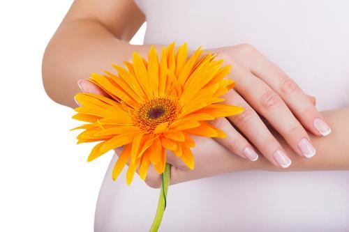 Unhas lindas durante a gravidez com segurança