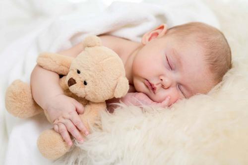 Quando o bebê vai dormir a noite inteira?